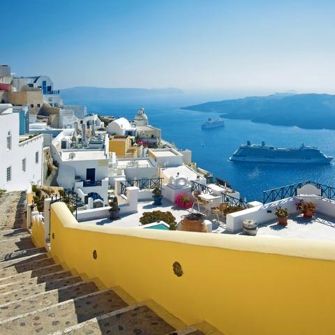greece-cyclades-santorini-001-fira-alley